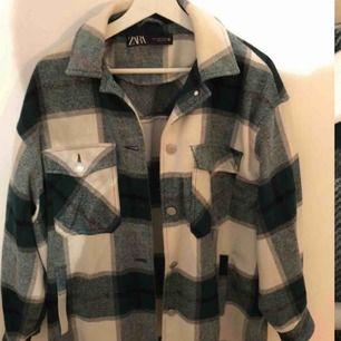 Finaste skjortjackan från zara som är slutsåld
