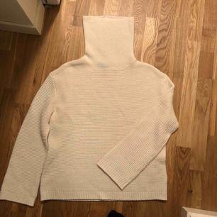Stickad tröja från hm