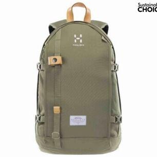 Fin ryggsäck från Haglöfs. Endast använd två gånger i stan. Passar till mindre friluftspackning eller laptop/vardag.