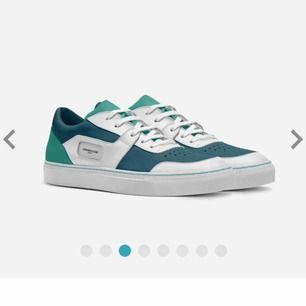 https://www.aliveshoes.com/aspen-nicklasson-s för att beställa