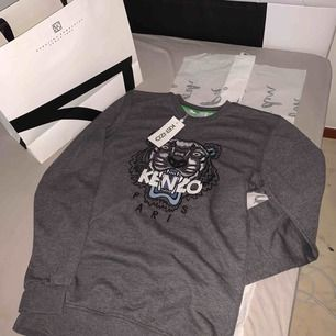 En jätte fin kenzo tröja som är helt ny den är äkta som är storlek m
