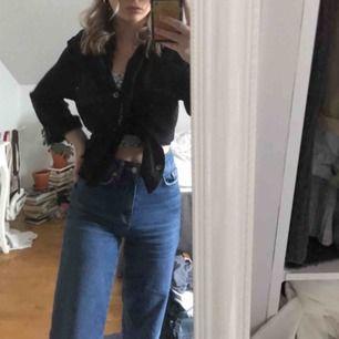 Jätte sköna jeans från lager 157, kommer tyvärr inte till användning mer :/