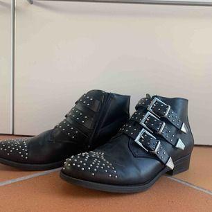 Balla skor!😍😍 Nästan inte använda.