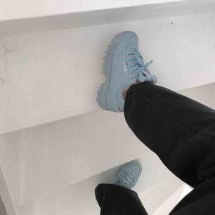 Helt nya fila skor i storlek 38 men skulle säga 37,5