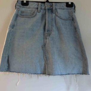 (Inkl frakt) Snygg jeans kjol från H&M i bra skick.❤️