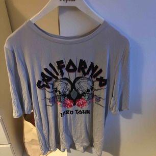 T-shirt från Ginatricot, aldrig använd, storlek XS