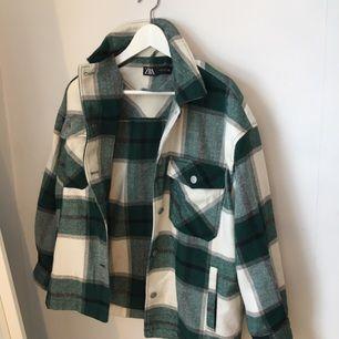 Populära Zara jackan i storlek S