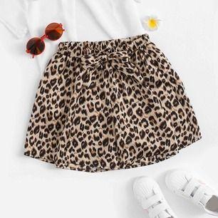 Här är min fina leopardkjol. Är ett par shorts men framsidan är ihop sydd som en kjol. 🐆🐆