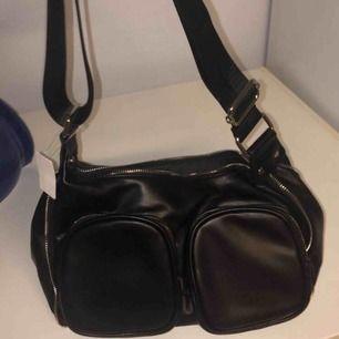 Nunoo lik väska som jag aldrig använt därav prislappen kvar! 🥰