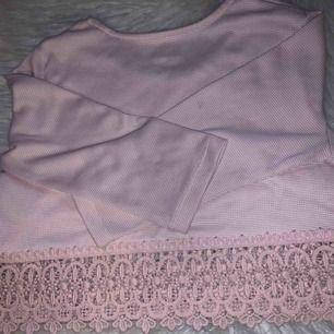 Oanvänt tröja från Lindex, säljer den pågrund av att den har blivit för liten