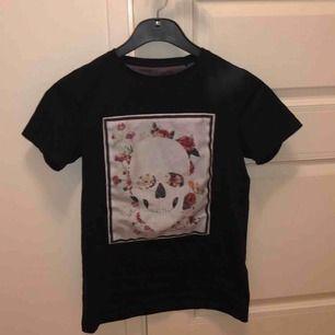 Limitato tshirt som inte kommer till användning  Box finns 💞