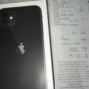 Hej säljer en oanvänd oöppnad iPhone 11 64GB svart, olåst och medföljer kvitto! Köpt idag 21/2/2020 Tar swish eller kontanter! Möts upp och fraktar. Kan tänka mig gå ner lite vid snabb affär😊