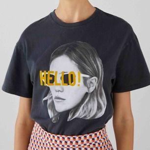 T-shirt i storlek s, från Bershka