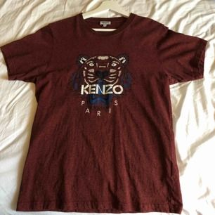 Kenzo t-shirt. Bra skick, inget slitage. Köpt för 1300kr