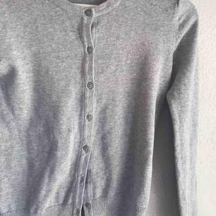 Superfin tröja/kofta från H&M, nyskick🦋💕🦋