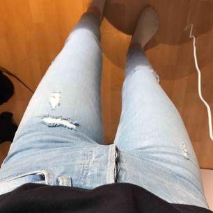 Supersnygga ljusa jeans från HM! 🍀☘️🌿🌱