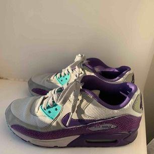 Nike air max Möter upp i Uppsala annars står köparen för frakten💓🌸🧡