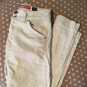Vita raka jeans från Miss Sixty. Vintage. Storlek 24. Bra skick