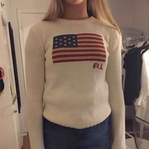 Stickad Ralph Lauren tröja, använd endast 2 gånger