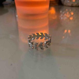 Super fin ring från na-kd! Knappt använd och i super skick! ❤️💕