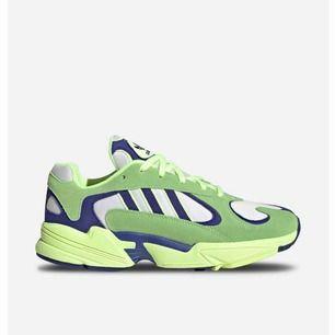 Snygga gröna skor från adidas som är använda ett fåtal gånger! Köptes för 1200kr. Frakt kostar 100kr