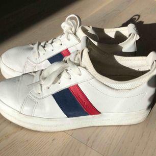 Jättefina Gant skor i storlek 36, använda några gånger.