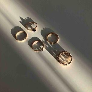 5 stycken guldiga ringar för 65kr + frakt 💞