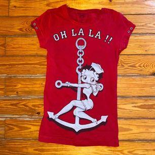 Jättefin retro T-shirt med Betty Boop tryck