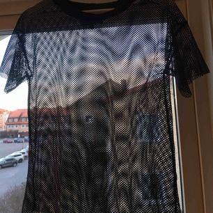 """Cool """"Fisknäts"""" T-shirt, säljer då den inte kommer till användning tyvärr ☺️☺️"""