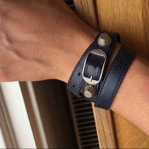 Äkta Balenciaga triple armband i fint skick. Kvitto, box och dustbag medföljer. Kan fraktas!