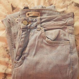 Blåa bootcut jeans från gina. Samma modell som de svarta (perfect jeans). Ny pris:399kr:) pris kan diskuteras