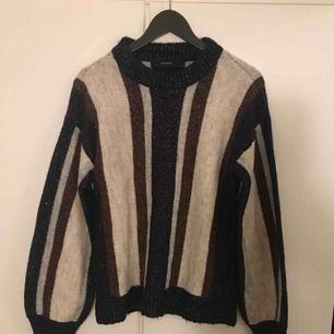 Superfin stickad tröja från Vero Moda. Köparen står för frakt.