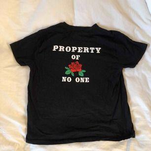 T-shirt från Carlings i märket Stay. Använd men i gott skick! Frakt tillkommer och betalningen sker via Swish.