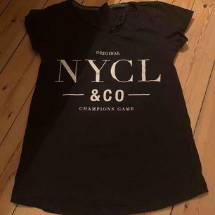 Jätte fin o härlig t-shirt  Använd få tal gånger