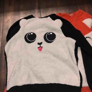 Säljer dessa jättesöta sweatshirts från Hm då jag har växt ur dem. Riktigt mysiga och hur gulliga som helst💫