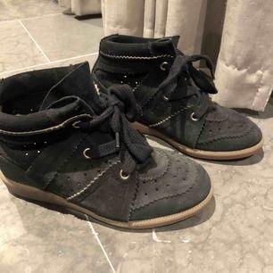 superfina Isabel Marant skor som inte längre används 🥰 äkta!!! nypris: ca 4500kr
