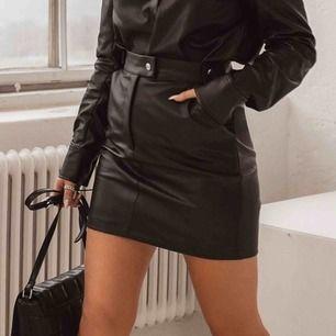 Helt ny oanvänd kjol från misslissibells kollektion, fick hem fel storlek och tappade tyvärr bort retur sedeln så säljer den här till en lite billigare pris 🌟✨