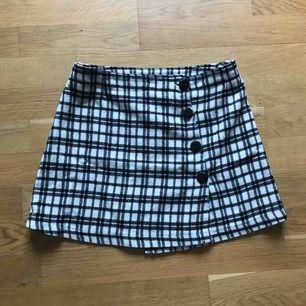 Vintage kjol står 140 i den men har passat mig som är en xs/liten s