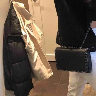 Fin väska som passar till det mesta, bra sick✨