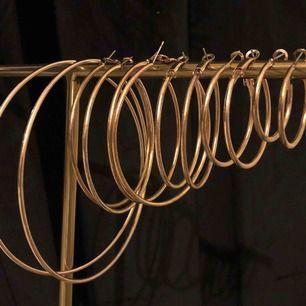 6 par guldiga örhängen, helt oanvända⚡️