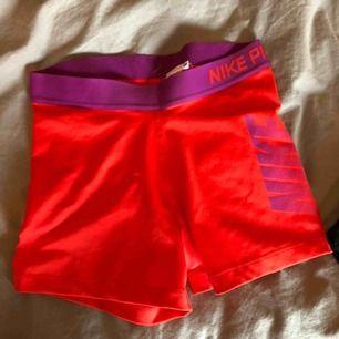 Nike hotpants helt nya aldrig använda