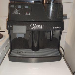 Oanvänd kaffemaskin