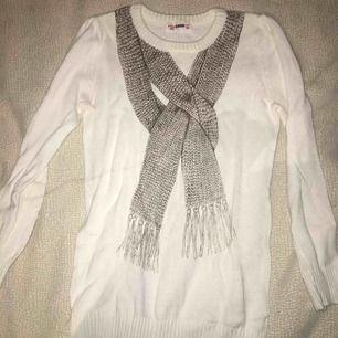 Vit långärmad tröja från Fox (barn avdelningen)