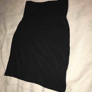 Svart kjol från indiska