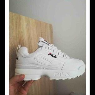 Önskar köpa dessa skor i storlek 44