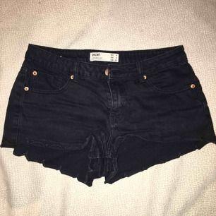 Svarta short shorts från cotton on