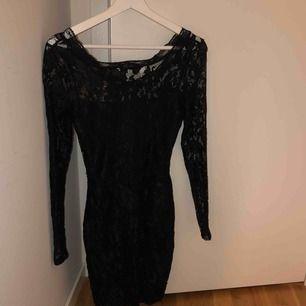 Jättefin spets klänning, använd fåtal gånger