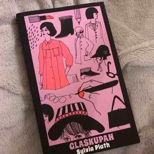 Världens bästa bok💘 Glaskupan av Sylvia Plath. Nyskick