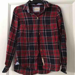 Rutig skjorta, knappt använd!