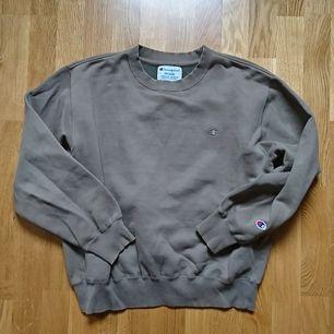 Vintage sweatshirt från Champion, storlek M, i fint skick!